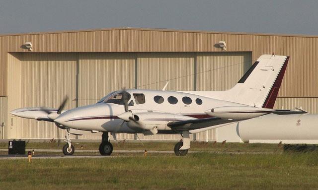 Wilden Sex in einer Cessna 421 Golden Eagle über den Wolken von Las Vegas