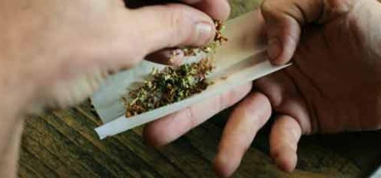 Kevin MacPhee raucht gerne mal einen Joint