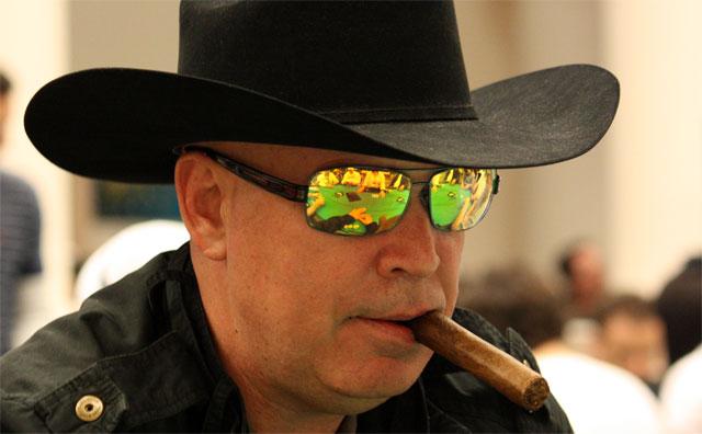 Hoyt Corkins – Pokerspieler – Biografie