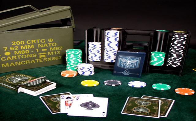 Karten zeigen beim Poker